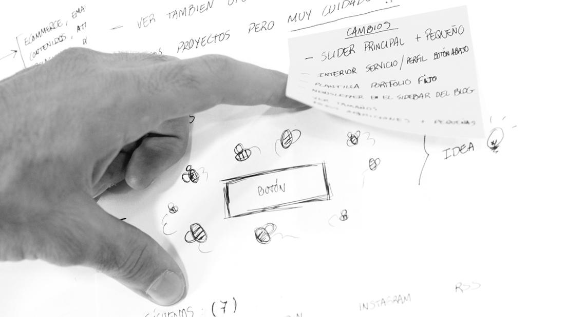 Branding diseño web Bee Social por Drool estudio creativo - 3