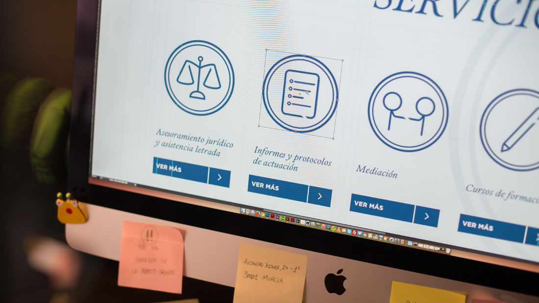 Diseño web Leyemecum por Drool estudio creativo - 11