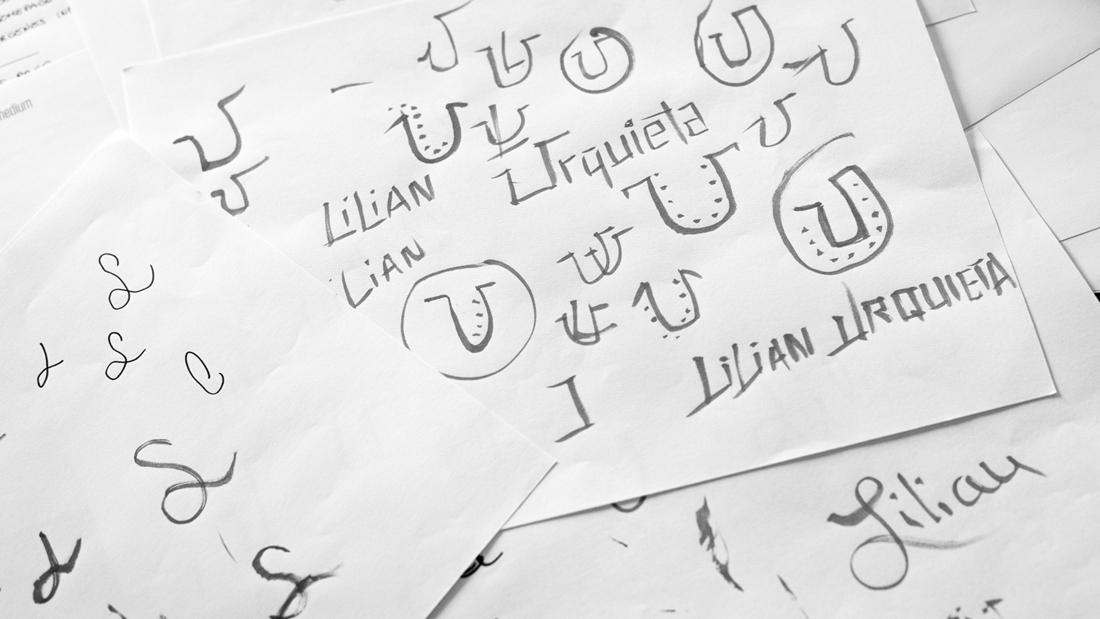 Logotipo Lilian Urquieta por Drool estudio creativo - 4